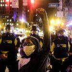 USA la protesta dilaga, Casa Bianca assediata, a Detroit spari suo manifestanti