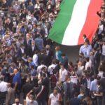 L'ammucchiata indecente di Salvini e Meloni
